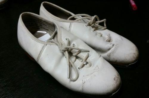 Signature Split Sole Clogging Shoes *Size 4 Ladies*