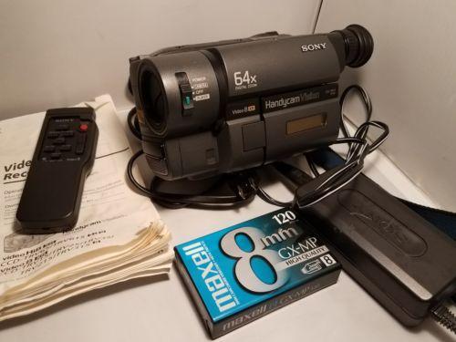 Sony Handycam CCD-TRV15 8mm Analog Camcorder Bundle Tested works w Remote
