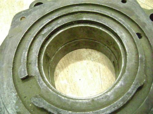 John Deere 70 720 730 Gas Left hand main bearing
