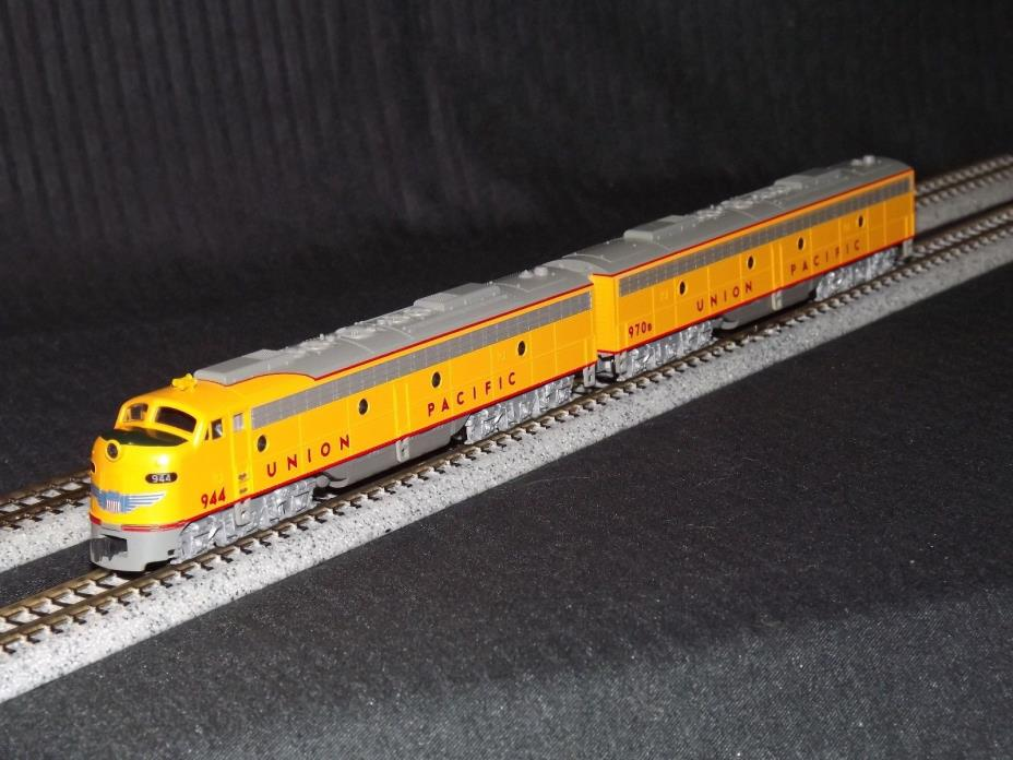 Kato N Scale Union Pacific 176-5315 & 5353 EMD Locomotive / Engine (2 Unit Set)