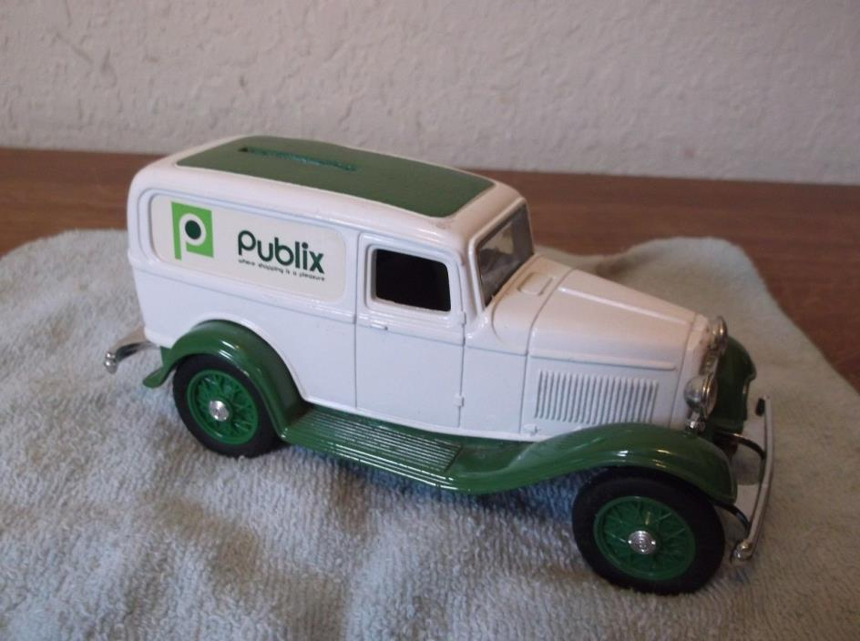 Ertl 1:25 1932 Ford Publix Panel Delivery Truck Bank Vintage with Key