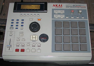 Akai MPC2000XL MIDI Production Center Sampler