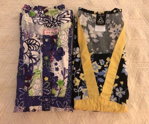 2 Beautiful Women's Print Scrub Tops Size XS KOI And CHEROKEE
