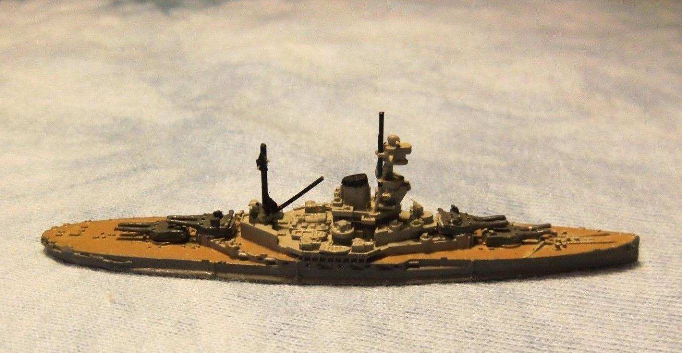 Royal Navy WW1/ WW2 Battleship HMS Revenge 1/2400  Metal Painted