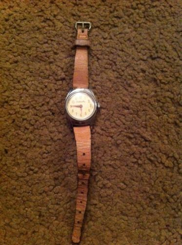 VINTAGE CINDERELLA PINK LEATHER WATCH 1950 U.S TIME
