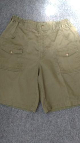 OFFICIAL  BOY SCOUT SHORTS SIZE 34   GREEN