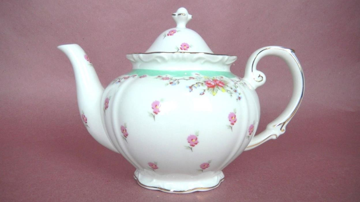 Vintage GRACE CHINA Porcelain 5-cup TEAPOT Vintage Green Rose Tea Pot