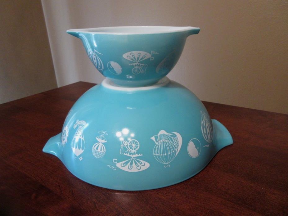 Vintage 1958 Pyrex Turquoise/White Hot Air Balloon Cinderella Chip & Dip Set