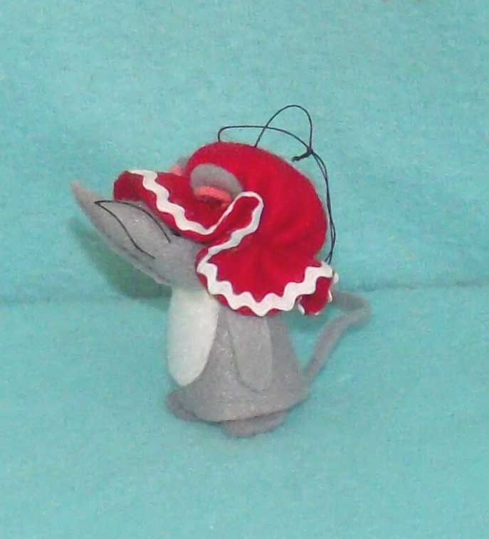 Vintage Felt Christmas Mouse with Red Bonnet
