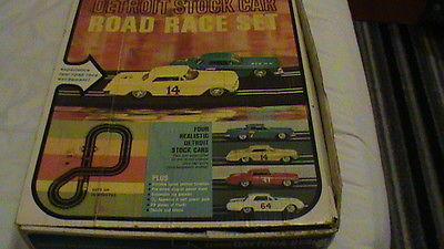 vintage 1963 eldon slot car DAYTONA BEACH DETROIT STOCK CAR ROAD RACE SET