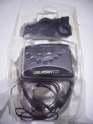 Vintage Walkman WM-FX251 Cassette Player & Digital AM/FM Radio + Case