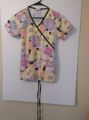 Women's Sierra Scrubs Multicolored Floral Top, Size XS