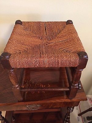ANTIQUE VINTAGE OAK FOOTSTOOL STOOL W HAND WOVEN SEAT & TURNED LEGS FURNITURE