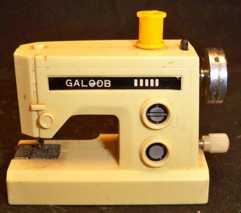 Vintage 1970s Barbie Galoob Sewing Machine Wind Up Toy
