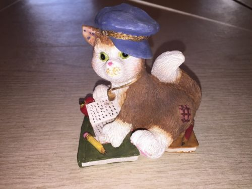 jubilee giftware resin and wood cat figurine