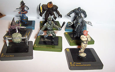 Lot of 8 Wizards of the Coast Dream Blade Figures 2006