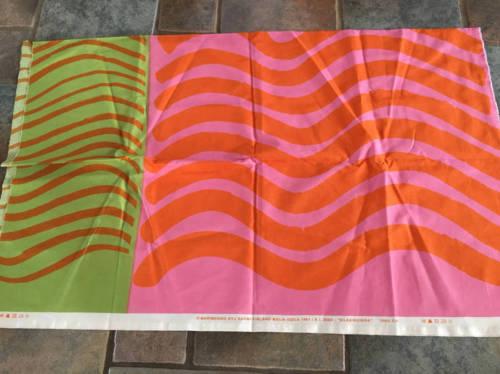 Marimekko SILKKIKUIKKA Cotton Fabric 1 Yd. + 8