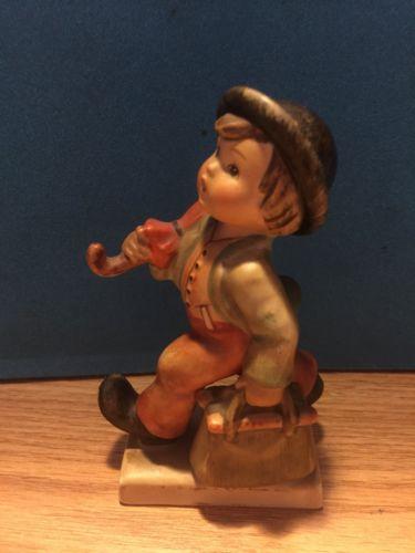 "Vintage Hummel Goebel Figurine ""Merry Wanderer"" #11/0 TMK 3"