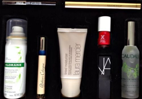 SEPHORA FAVORITES Set CHIC IT EASY TOUCHE ÉCLAT NARS Caudale LAURA MERCIER