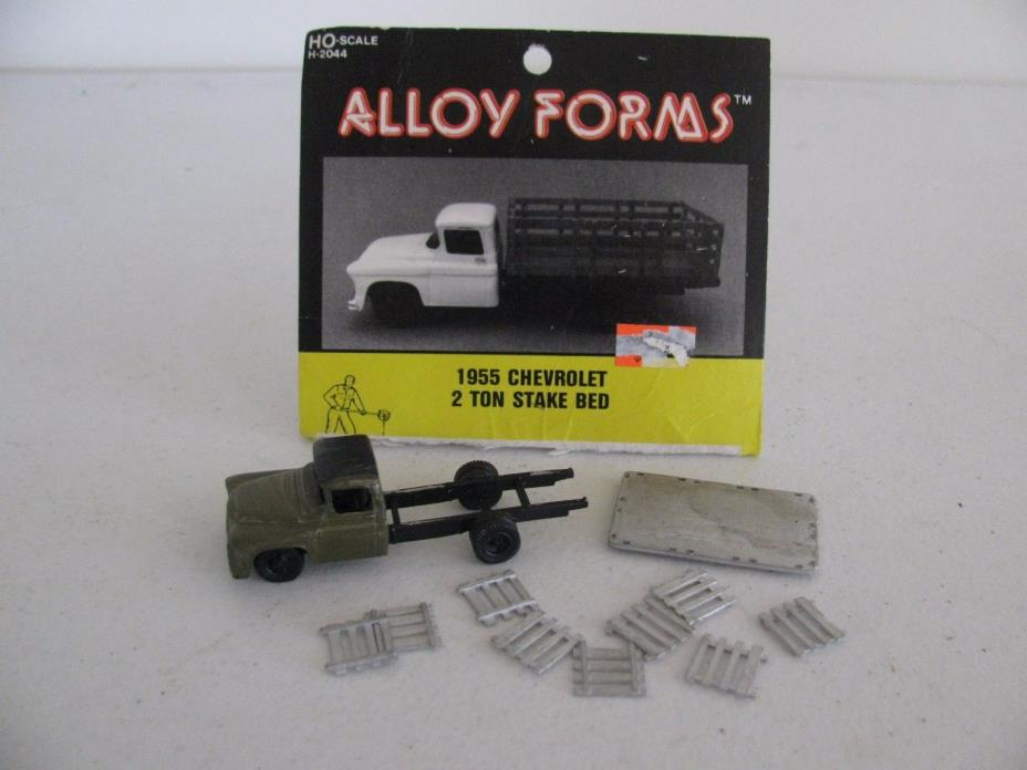 Vintage Alloy Forms HO 1955 Chevy 2 Ton Stake Truck Custom Painted #2044 VG
