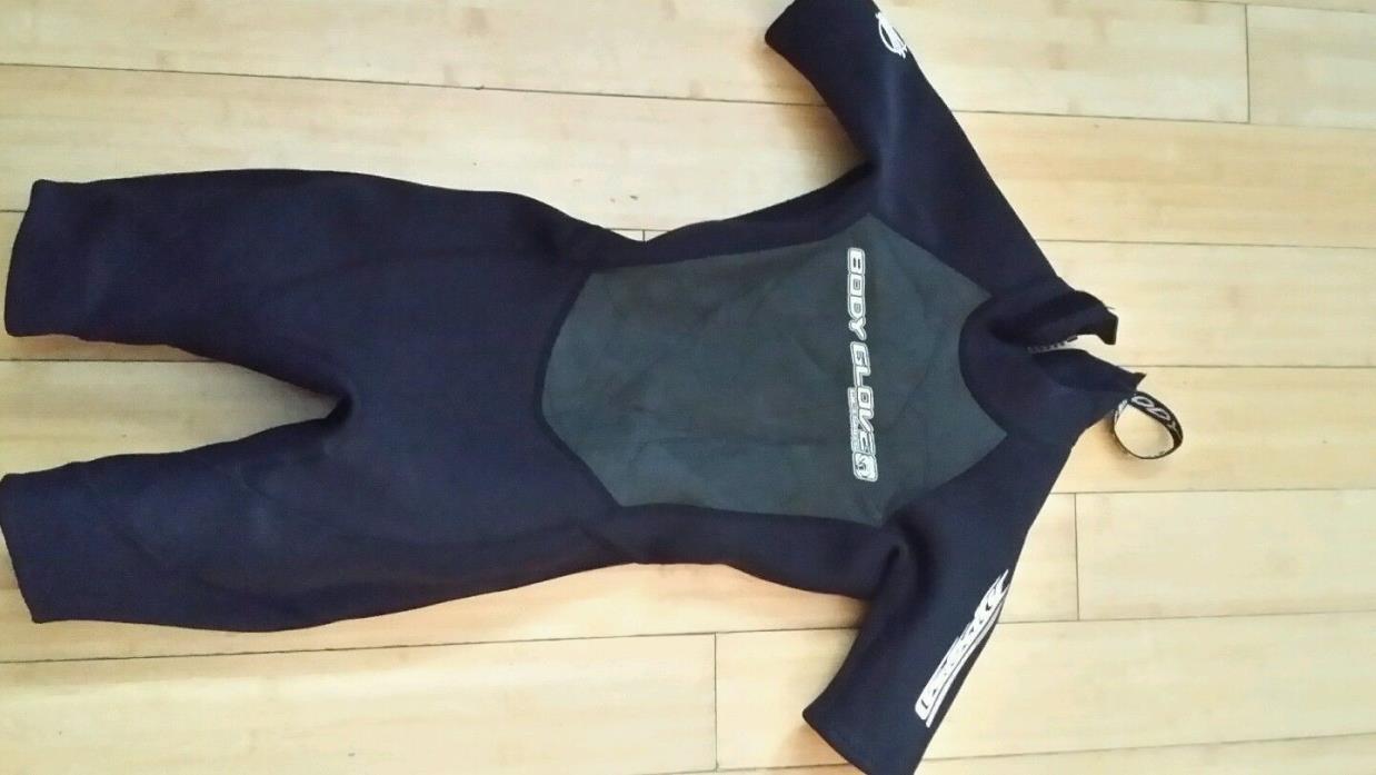 Childs wetsuit Juniors 8