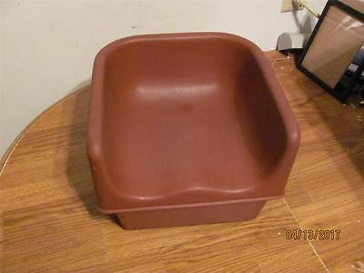 CAMBRO BABY BOOSTER SEAT FOR EASY CHILD FEEDING- RED #100BC-  USED CONDITION
