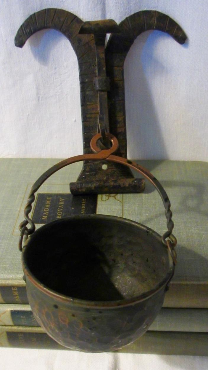 cast iron cooking pot for sale classifieds. Black Bedroom Furniture Sets. Home Design Ideas