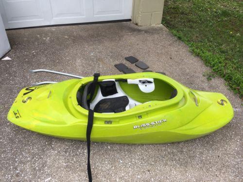 kayak playboat  5 9 Bliss stick Specialized surfing Whitewater Kayak green