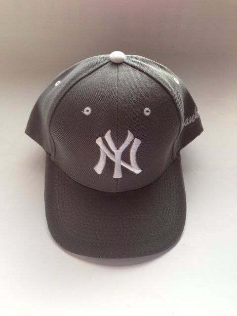 NEW YORK Yankees Hat  ( Gray )