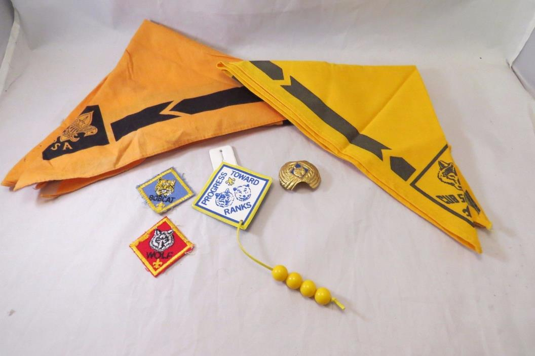 Boy Scouts Of America Cub Scouts Wolf Yellow Neckerchief, Wolf Clip & Badges BSA