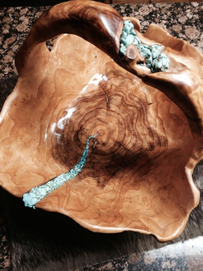 Rustic wood bowl. The inlay makes this bowl unique.