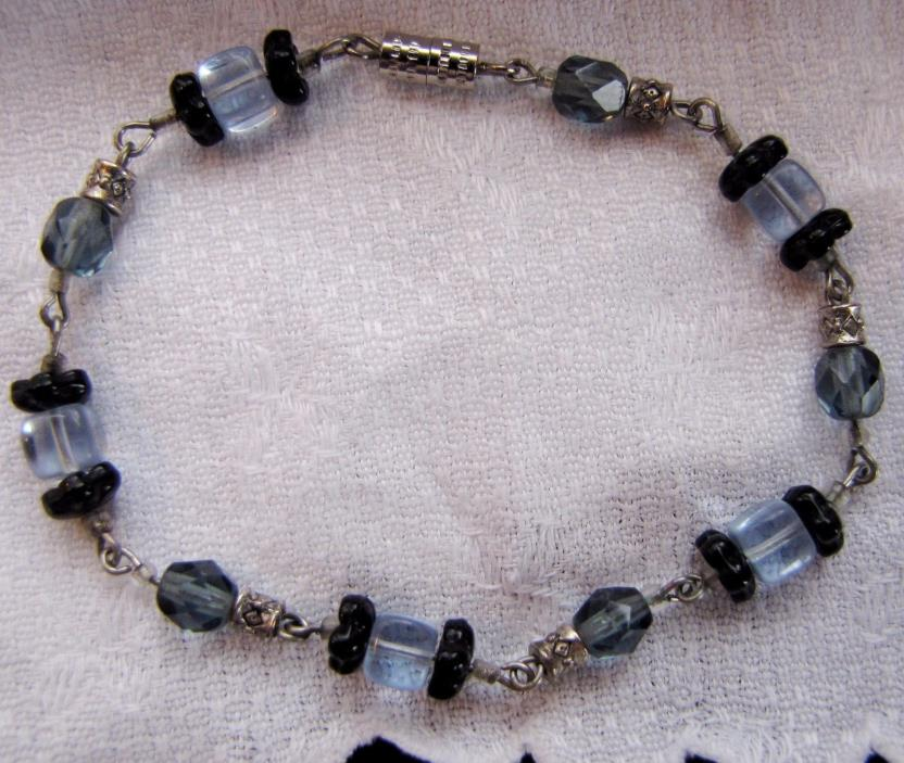 Beaded Glass and Crystal Bracelet with Silver 7.5