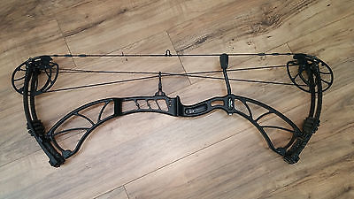 XPEDITION Xcentric  compound bow RH