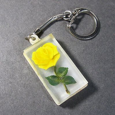 Keychain-ring with lucite & yellow rose fob B13