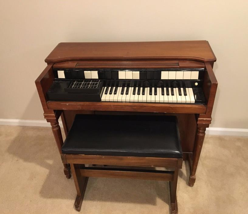hammond chord organ for sale classifieds. Black Bedroom Furniture Sets. Home Design Ideas