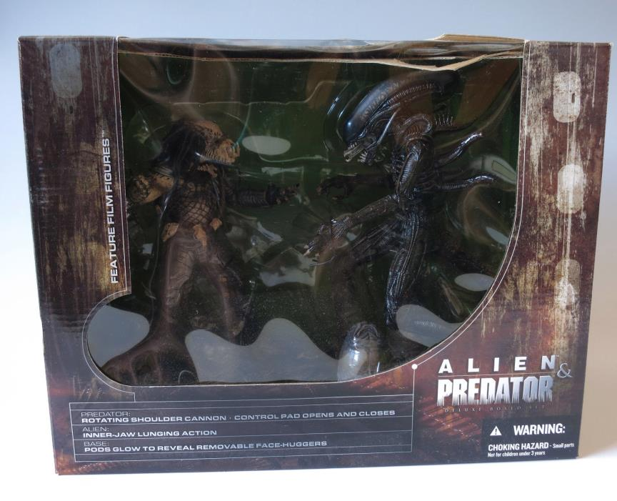 McFarlane Toys Alien & Predator Movie Maniacs 5 Deluxe Figure Box Set NIB