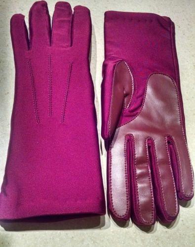Womens Capezio very warm gloves