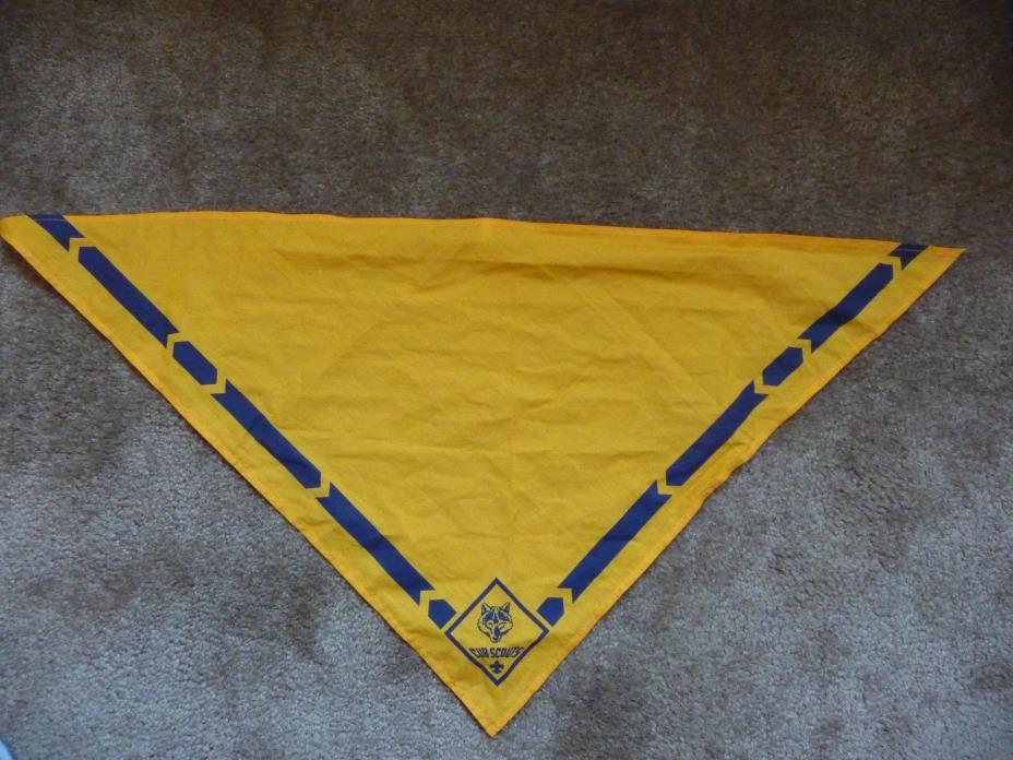 BSA Boy Scouts Cub Scouts Yellow gold Neckerchief Bandana Scarf  EUC