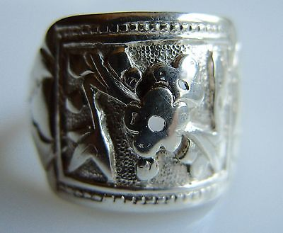 Vintage Chinese Sterling Silver Ring Pierced Flowers & Decorated Shoulders sz 5
