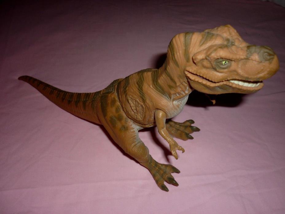 Vintage Jurassic Park T-Rex JP06 Dinosaur Toy Wounded