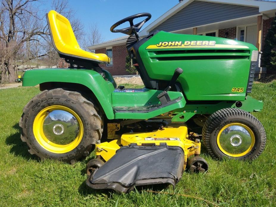 John Deere 345 Lawn Tractor