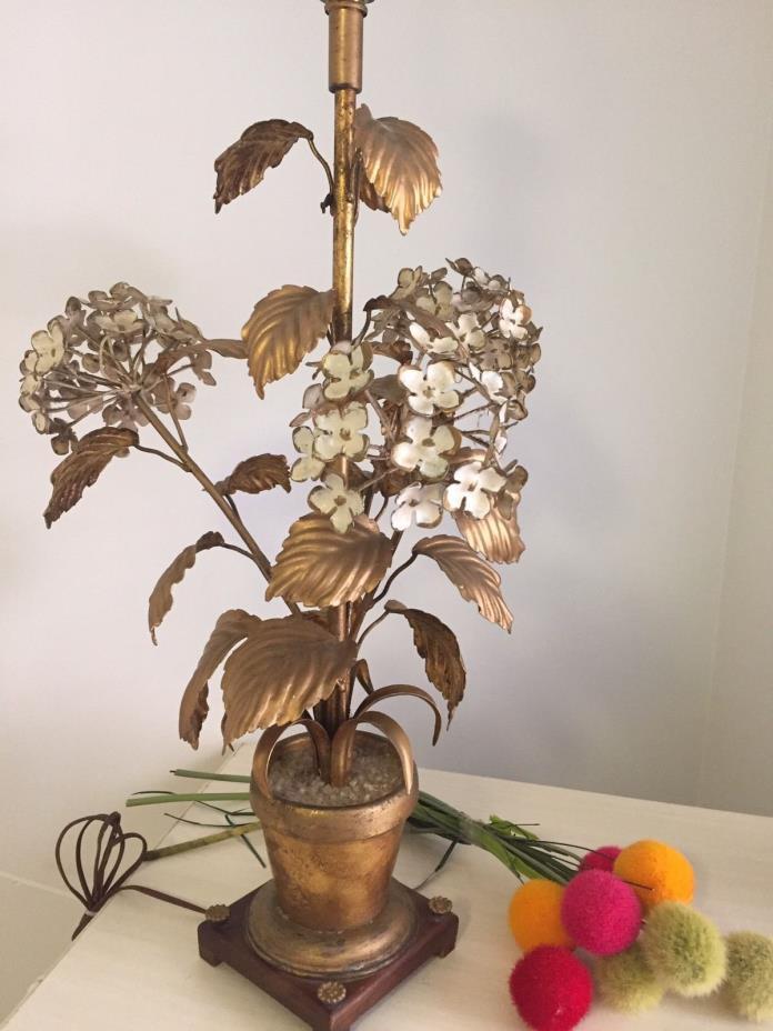 ITALIAN TOLE LAMP WITH HYDRANGEAS GOLD GILT ROCOCO FLORENTINE TOLE TABLE LAMP