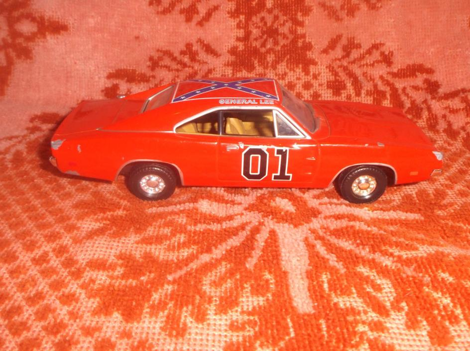 ***The Dukes of Hazzard (2005 CORGI) General Lee~DIE-CAST~1:32 Scale***