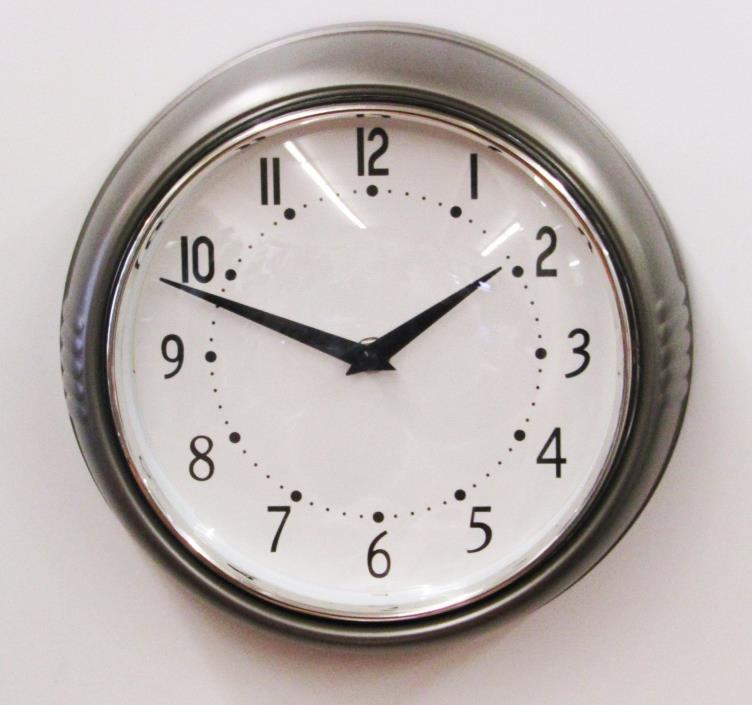 GRAY RETRO STYLE WALL CLOCK