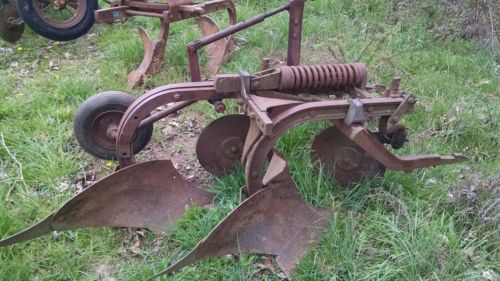 Farmall 200 230 240 super c two bottom fast hitch plow international