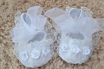 PJs ? Satin Flower Lace White Pram Shoes ? For Reborn Baby Doll  0-3 months NEW