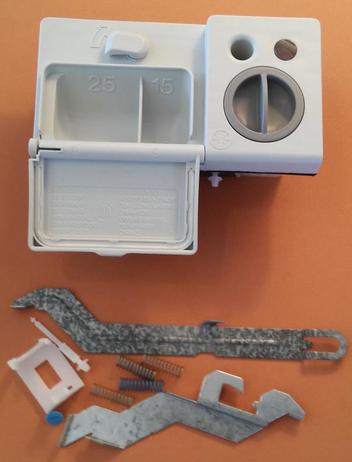 UNUSED NEW  BOSCH Dishwasher Soap Dispenser Assembly #068952