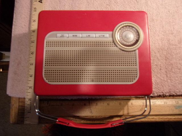 radio lunch box kikkerland