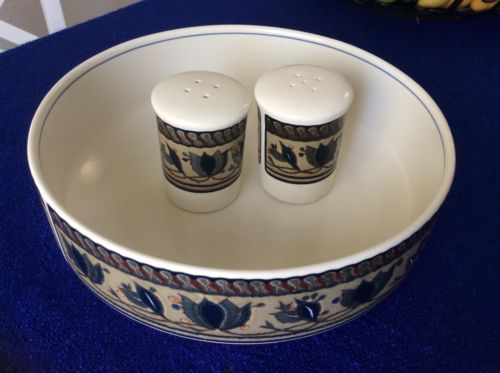 MINT MIKASA INTAGLIO ARABELLA  CAC01 8 1/2 INCH SERVING BOWL AND SALT & PEPPER