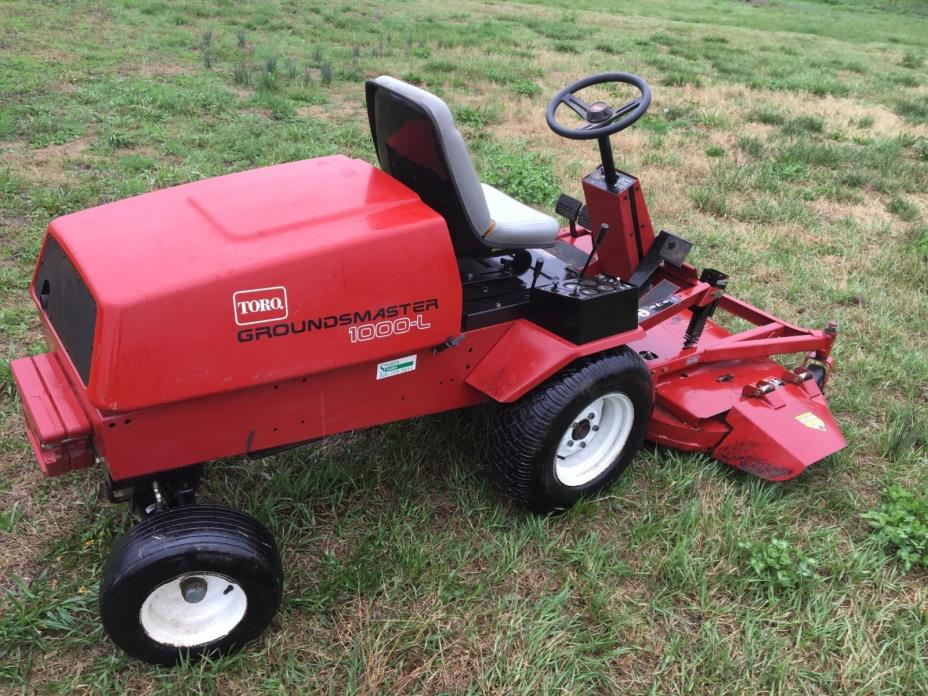 Toro Groundsmaster 1000 L Lawn Tractor golf course trim mower out front 62